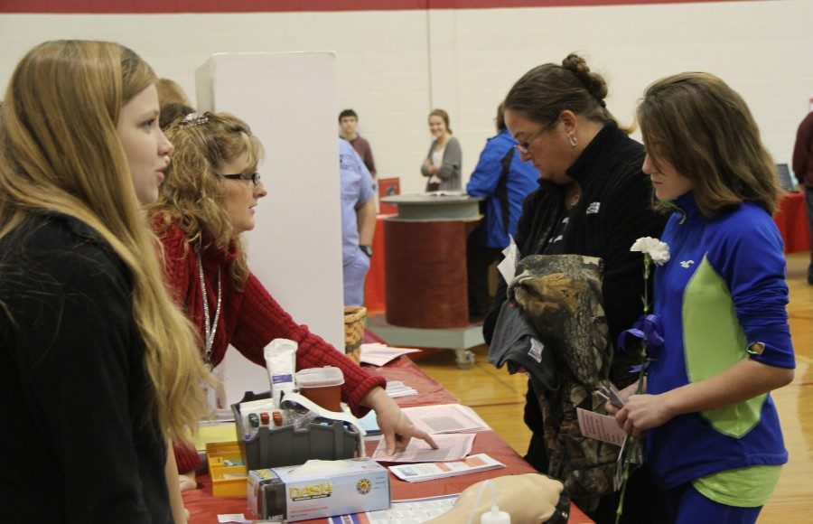 The Health and Science Academy talks with many parents and incoming freshmen.