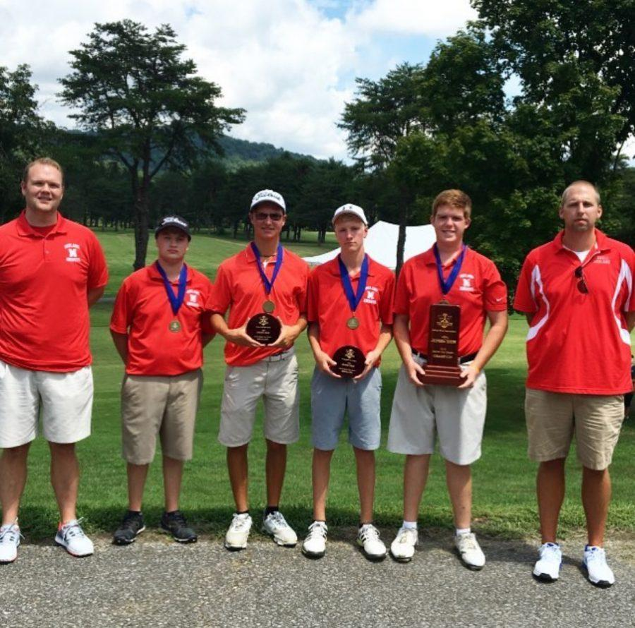 Members+of+the+Cabell+Midland+golf+team+pose+with+their+first+place+medals.