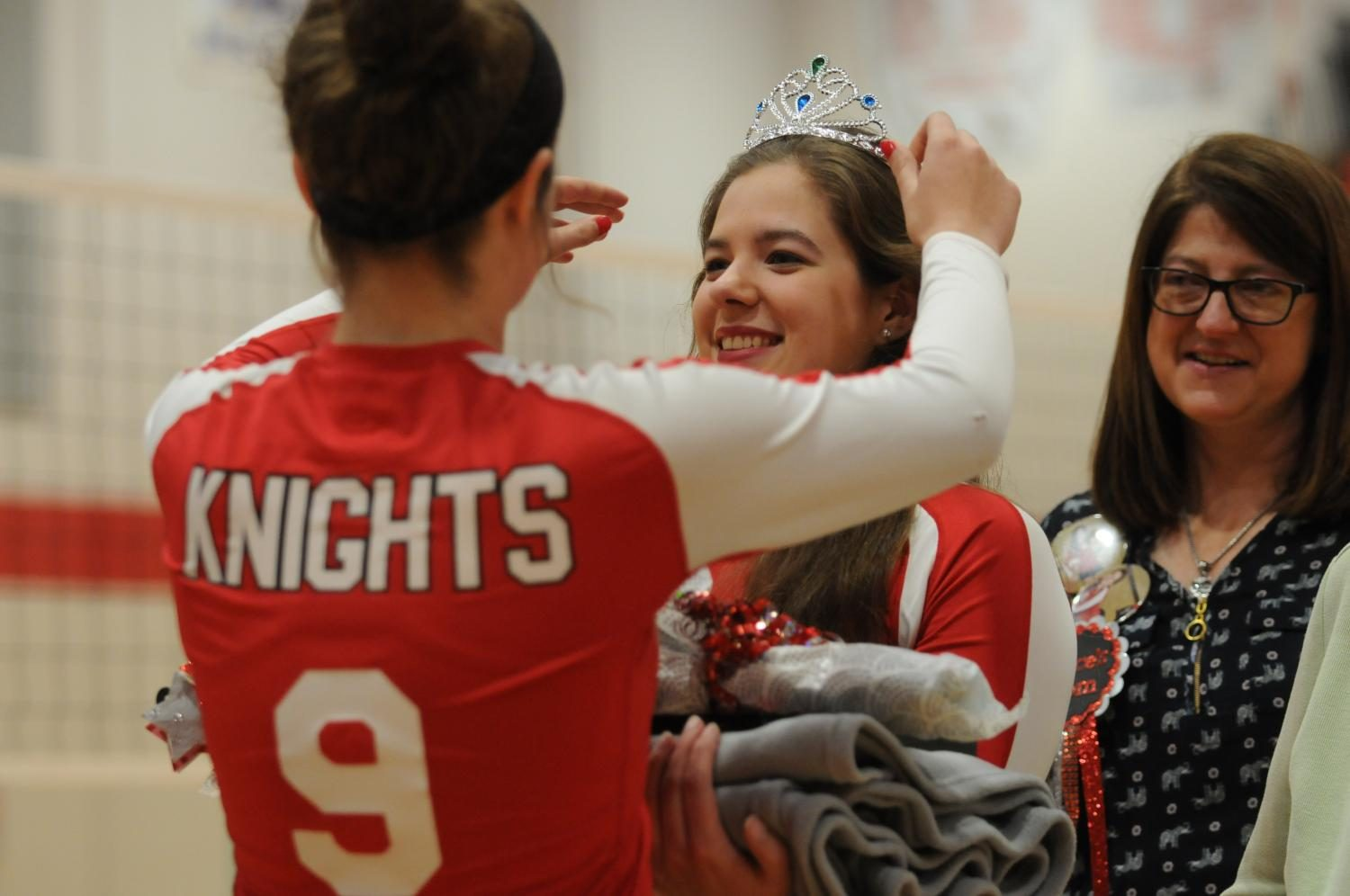 Volleyball fights for wins